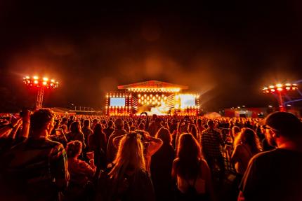 Fest Festival - jedno z wydarzeń organizowanych przez niezależną agencję Follow The Step, która znalazła się na liście beneficjentów